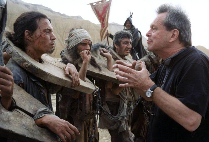 Terry Gilliam gibt dem Schauspieler Johnny Depp Anweisungen auf dem Set des nie beendeten Don-Quixote-Films.