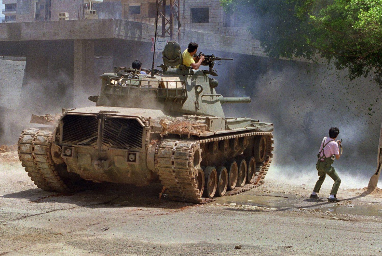 Ein Panzer in den Strassen von Beirut